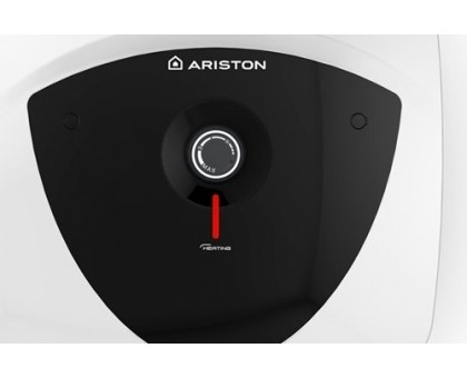Водонагреватель Ariston ABS ANDRIS LUX 10 OR над раковиной